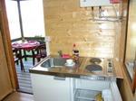 chata A interier - kuchyňka, terasa